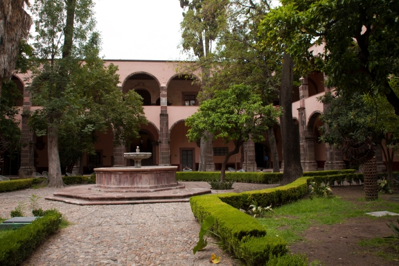 instituto courtyard