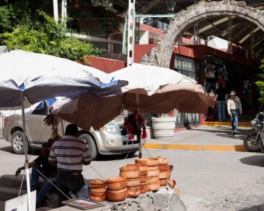 outside the mercado des artesanias
