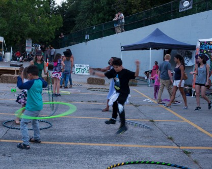 kids hulahooping laaff 2017